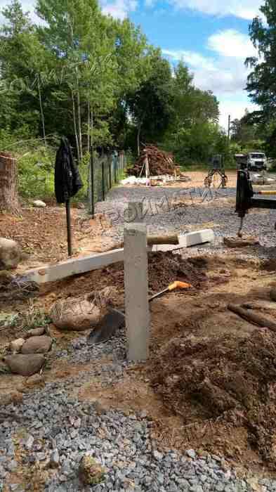 Фундамент на забивных ж/б сваях для дома в поселке Смолячково Ленинградской области от компании Стройматик