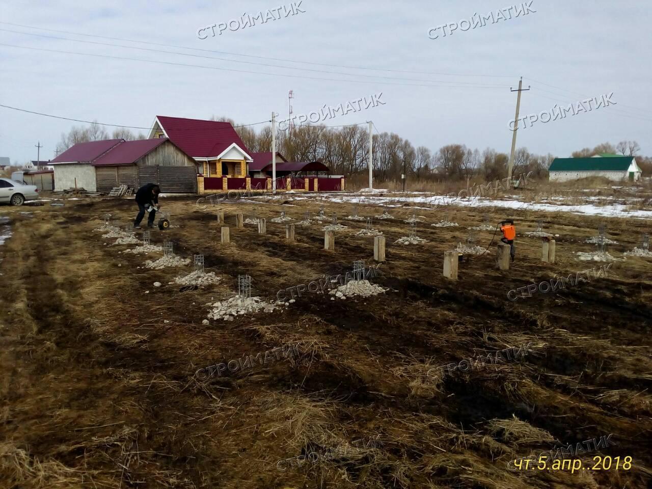 Фундамент на забивных ж/б сваях для дома из газосиликатных блоков в селе Доброе Липецкой области от компании Стройматик
