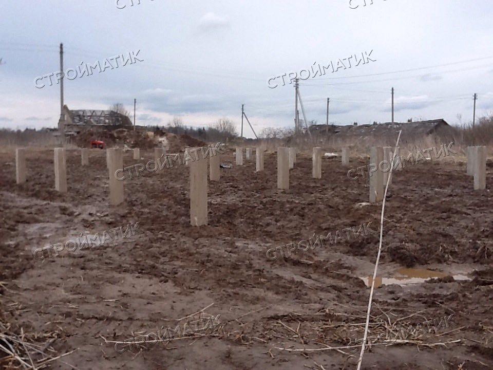 Фундамент на ж/б сваях для каркасного дома в деревне Кувшинцево Ярославской области от компании Стройматик