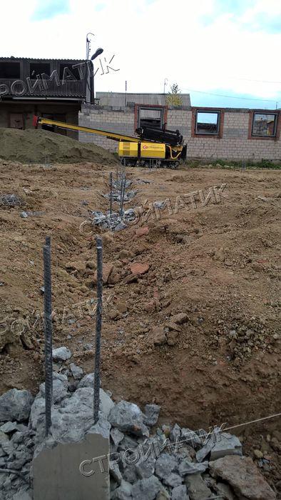 Фундамент на забивных ж/б сваях с бетонным ростверком для блочного дома в поселке Октябрьский, Челябинск от компании Стройматик