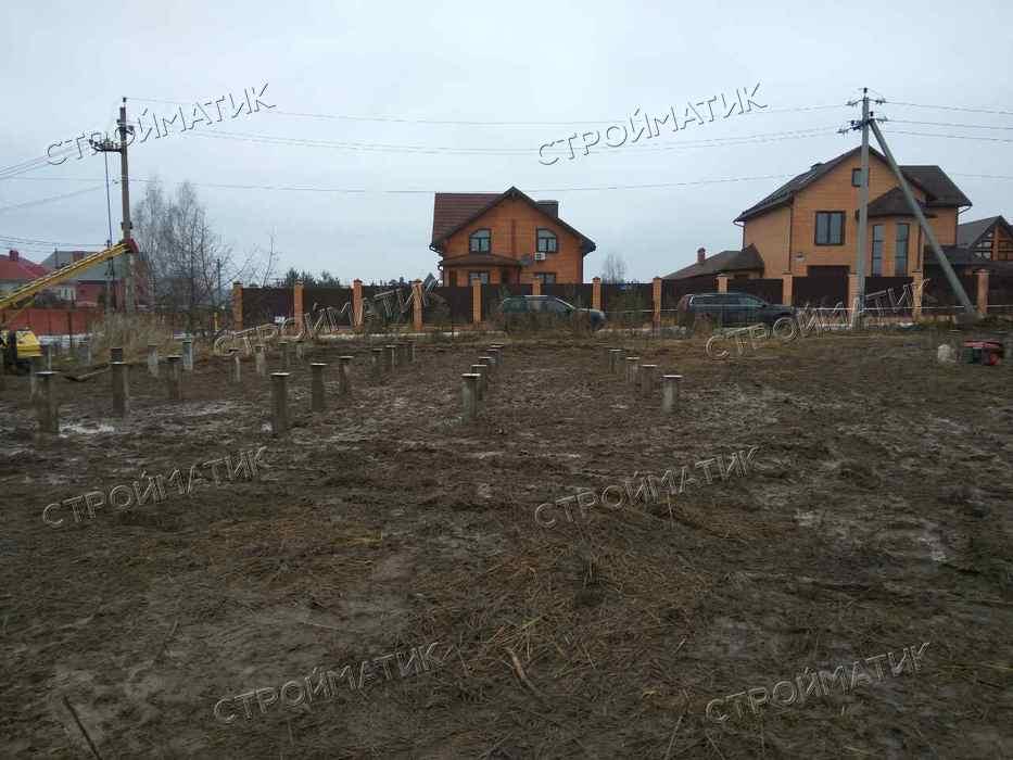 Фундамент на забивных ж/б сваях для дома и бани в деревне Жарково Московской области от компании Стройматик