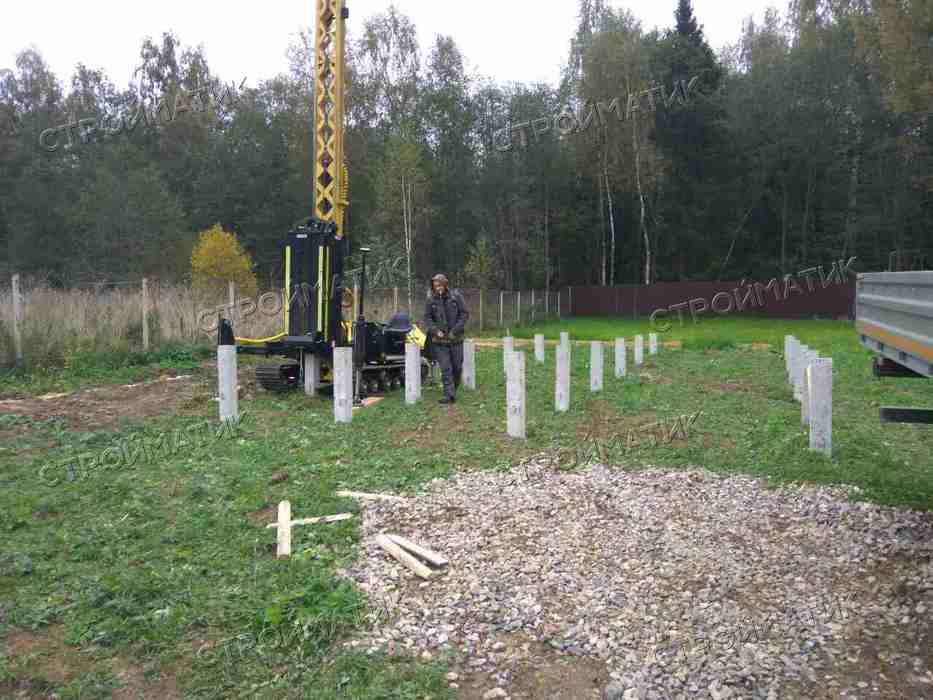 Фундамент на забивных ж/б сваях для деревянного дома во Владимирской области от компании Стройматик