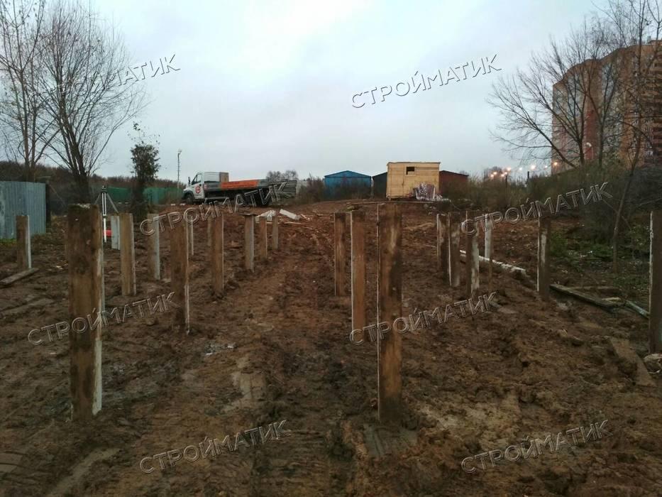 Фундамент на забивных ж/б сваях для деревянного дома в городе Видное Московской области от компании Стройматик