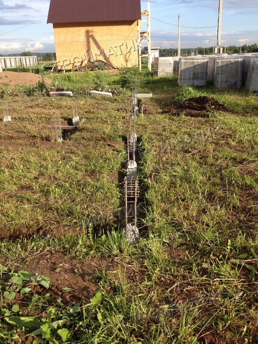 Фундамент на ж/б сваях для дома из пеноблоков в Кировской области от компании Стройматик