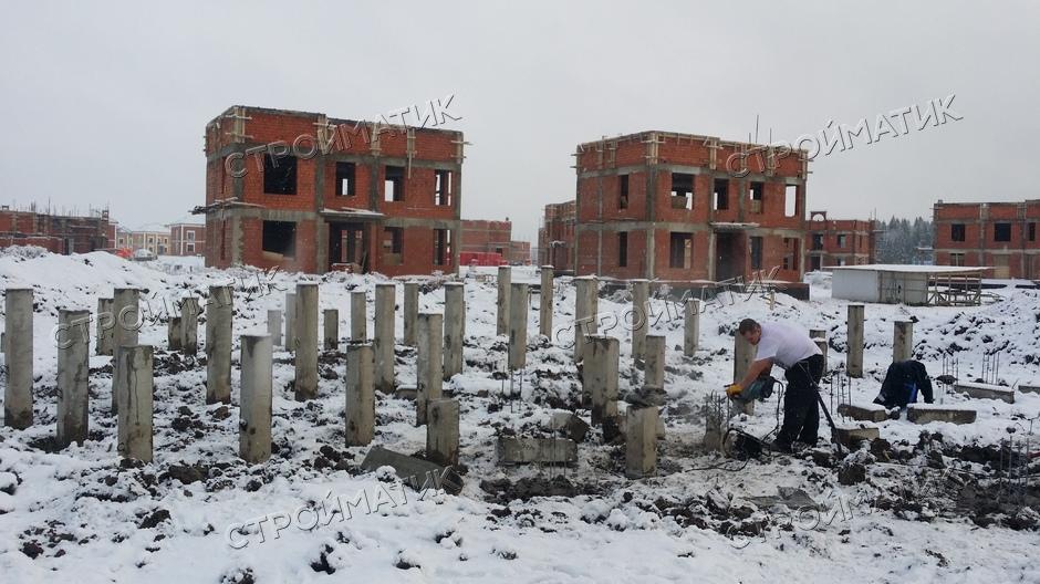 Фундамент на забивных ж/б сваях для дома в ДНП Ладога Ленинградской области от компании Стройматик