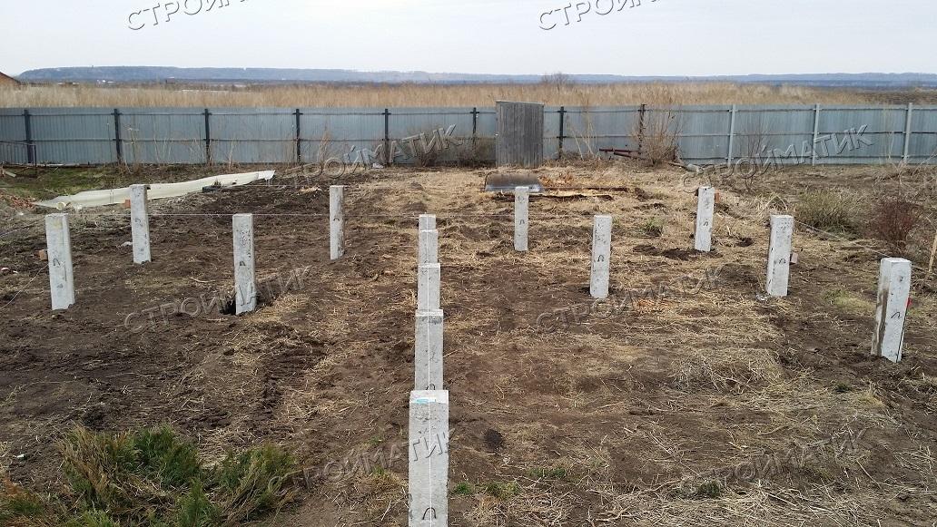 Фундамент на забивных ж/б сваях для каркасного дома с террасой в селе Калтай Томской области от компании Стройматик