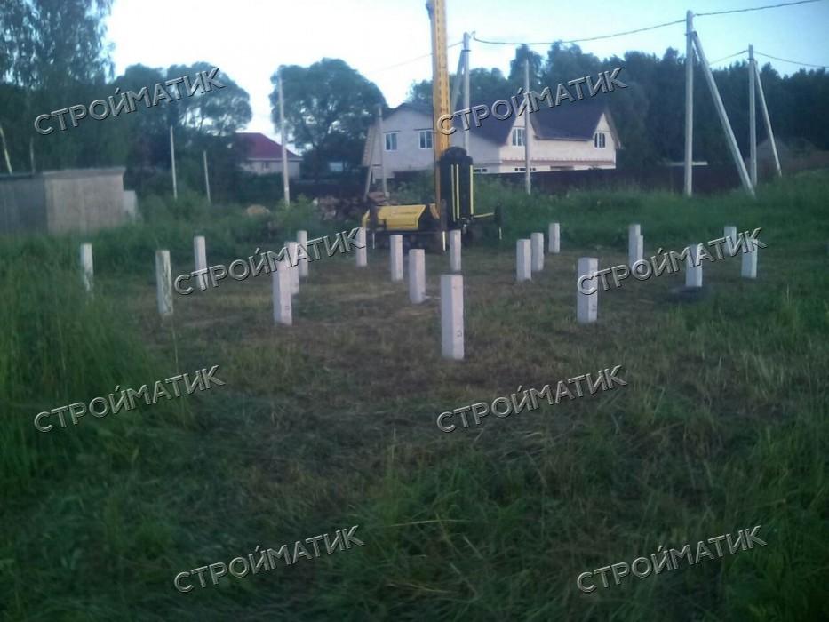 Фундамент на забивных ж/б сваях для каркасного дома на в деревне Гавриково Московской области от компании Стройматик