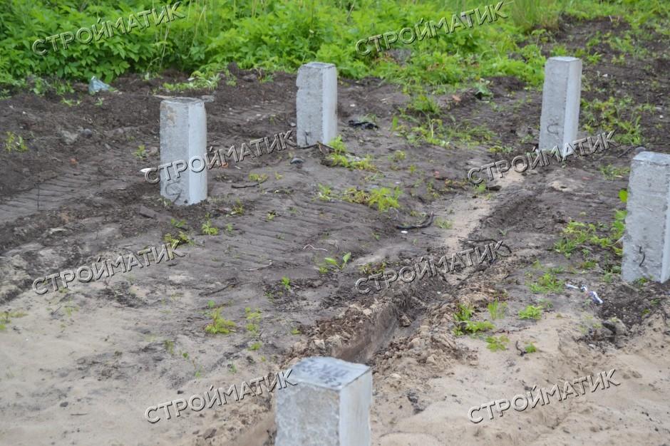 Фундамент на забивных ж/б сваях для каркасного дома в садоводстве Искра Ленинградской области от компани Стройматик