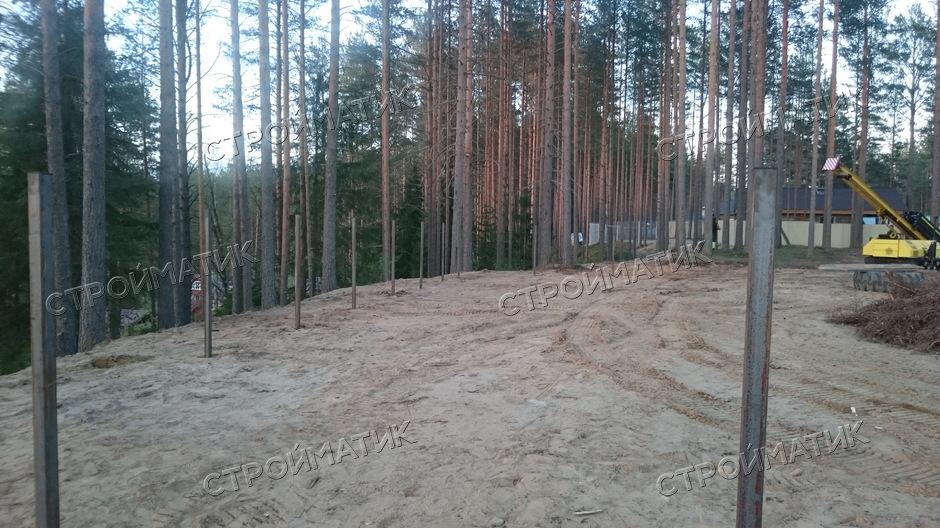 Фундамент на забивных ж/б сваях для забора 130 м  в поселке Матросы Пряжинского национального района республики Карелия от компании Стройматик