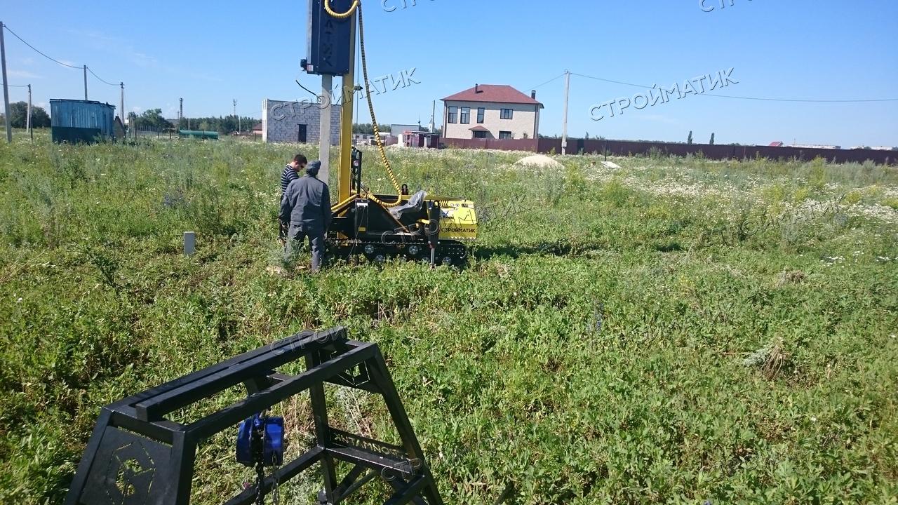 Фундамент на забивных ж/б сваях для дома из бруса в селе Косыревка Липецкой области от компании Стройматик