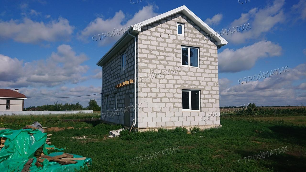 Фундамент на забивных ж/б сваях с бетонным ростверком для дома из газобетона в деревне Частая Дубрава Липецкой области от компании Стройматик