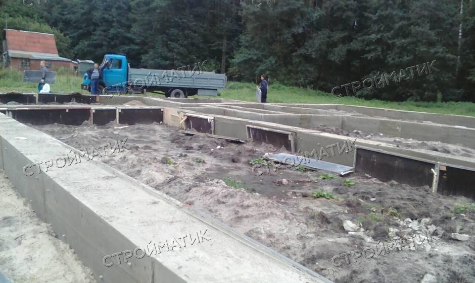 Фундамент на забивных ж/б сваях с бетонным ростверком для кирпичного дома в селе Малей Липецкого района от компании Стройматик