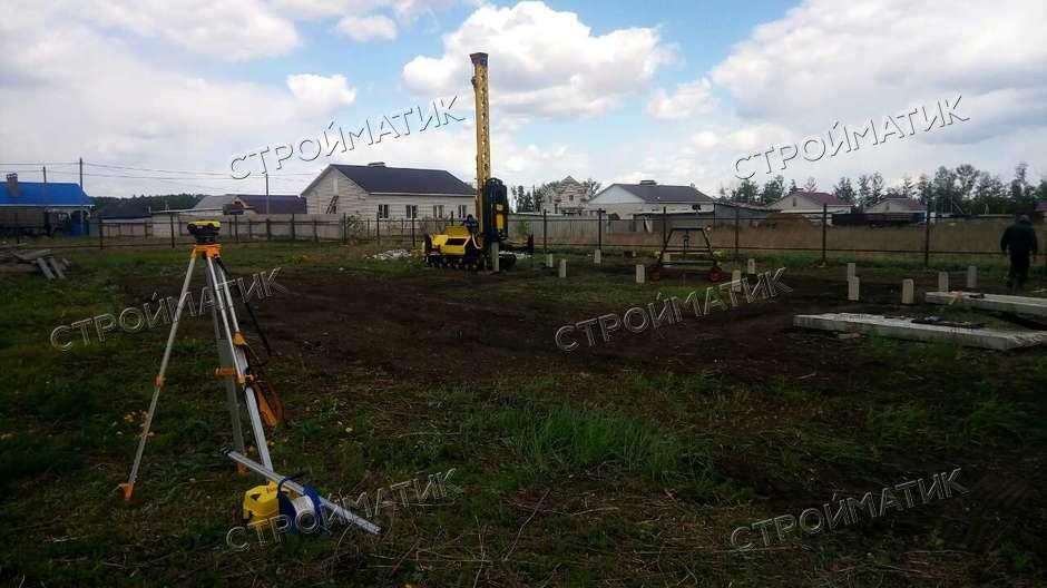 Фундамент на ж/б сваях для кирпичного дома в городе Грязи, Липецкой области от компании Стройматик