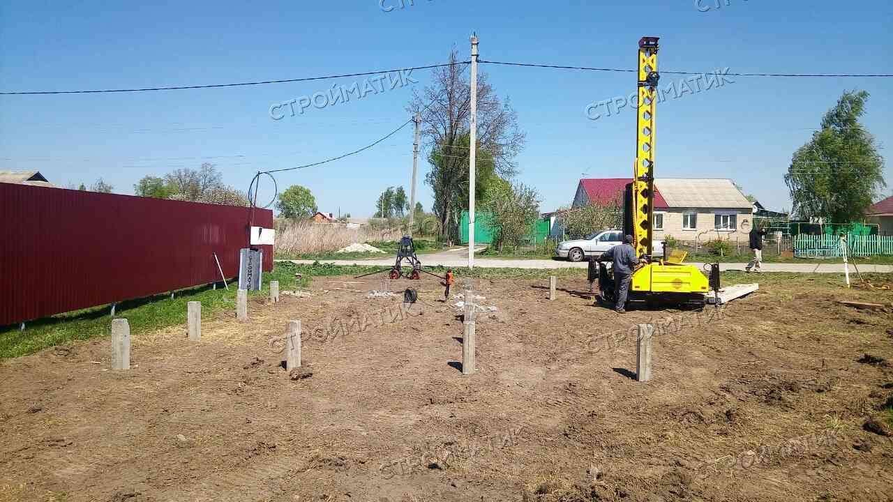 Фундамент на ж/б сваях для дома в городе Лебедянь от компании Стройматик