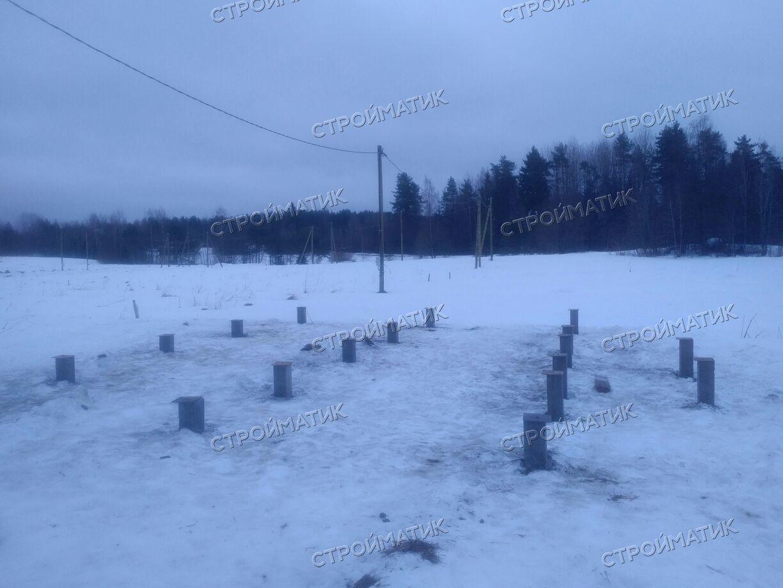 Фундамент на забивных ж/б сваях для дома в снт Глубокое Ленинградской области от компании Стройматик