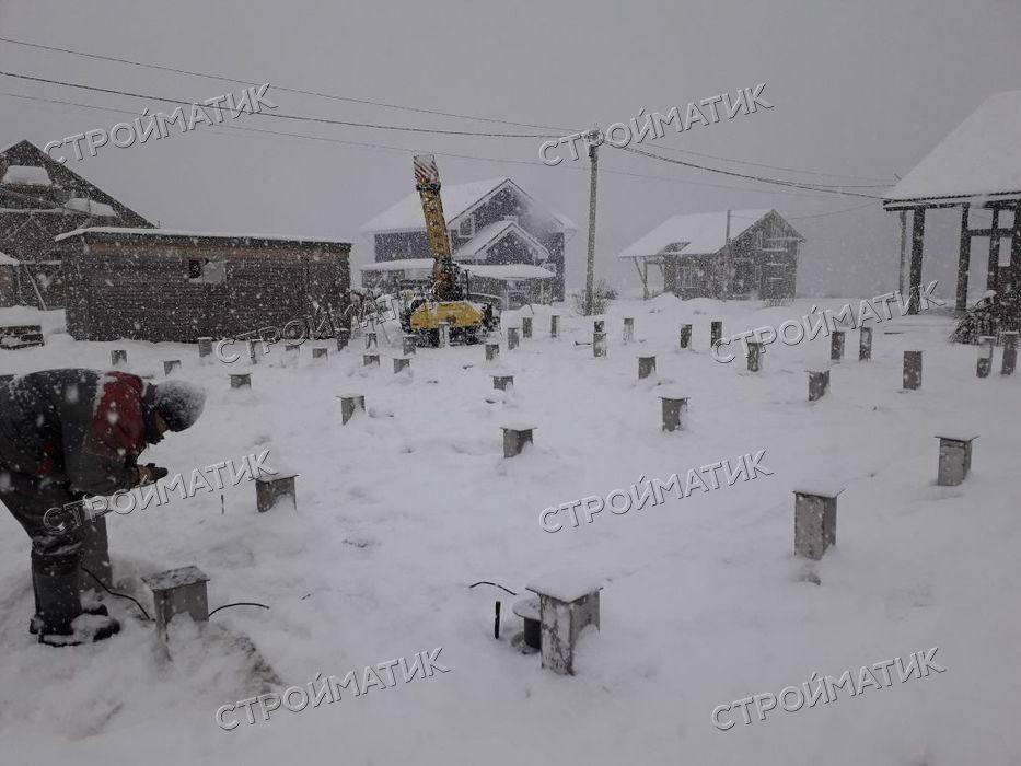 Фундамент на забивных ж/б сваях для дома в ДНП Бриллиант Ленинградской области от компании Стройматик