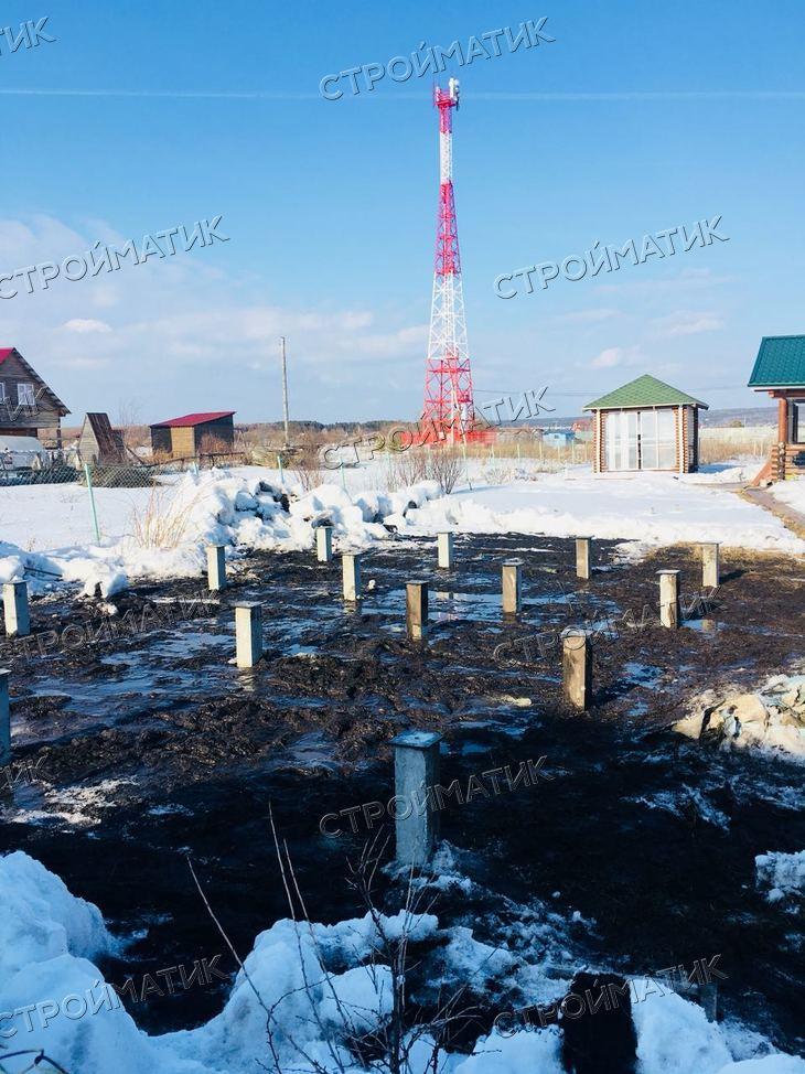 Фундамент на забивных ж/б сваях для бани из профилированного бруса в Новосибирской области от компании Стройматик