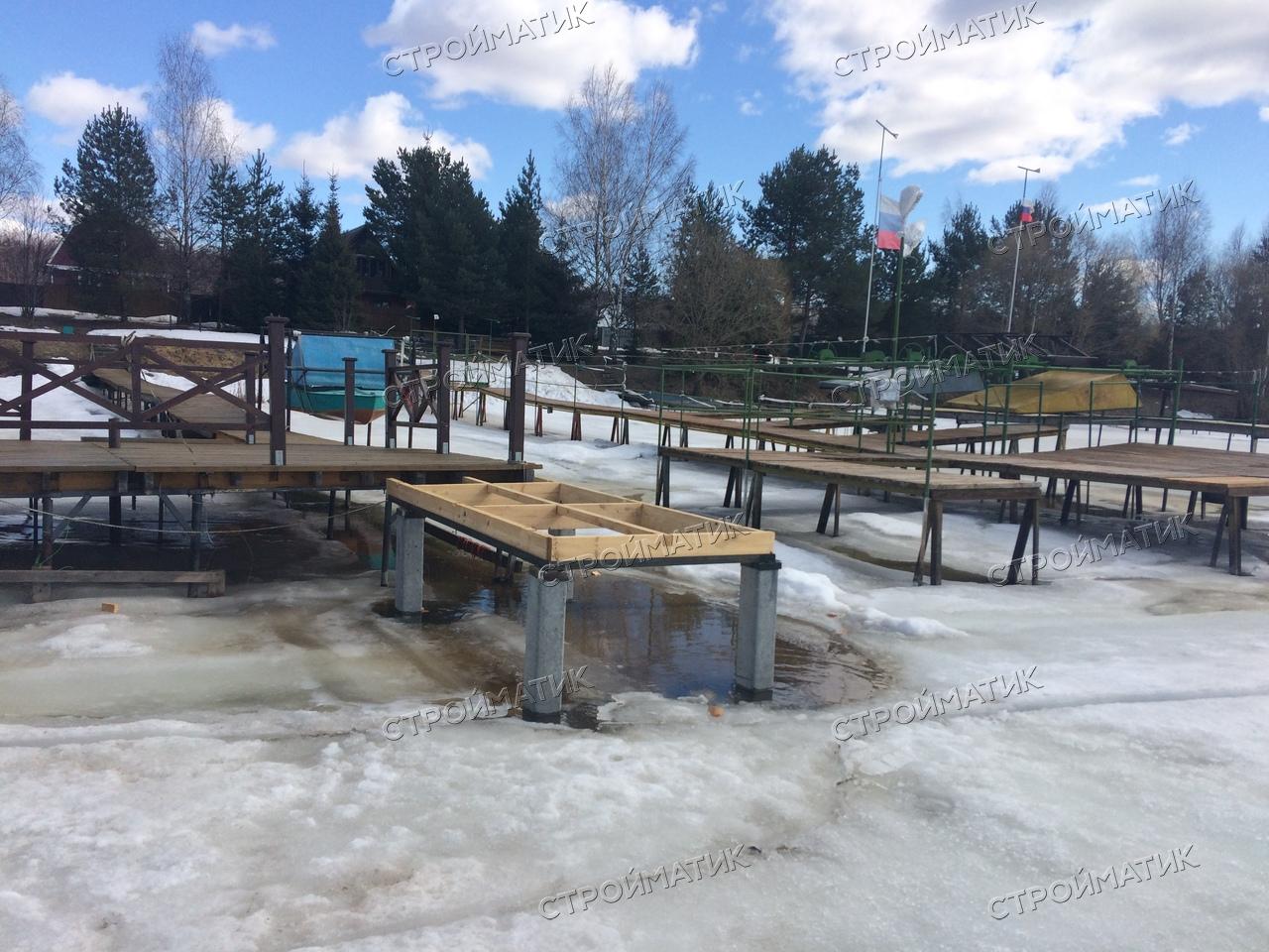 Фундамент на забивных ж/б сваях для причала на реке Волге в Костромской области от компании Стройматик