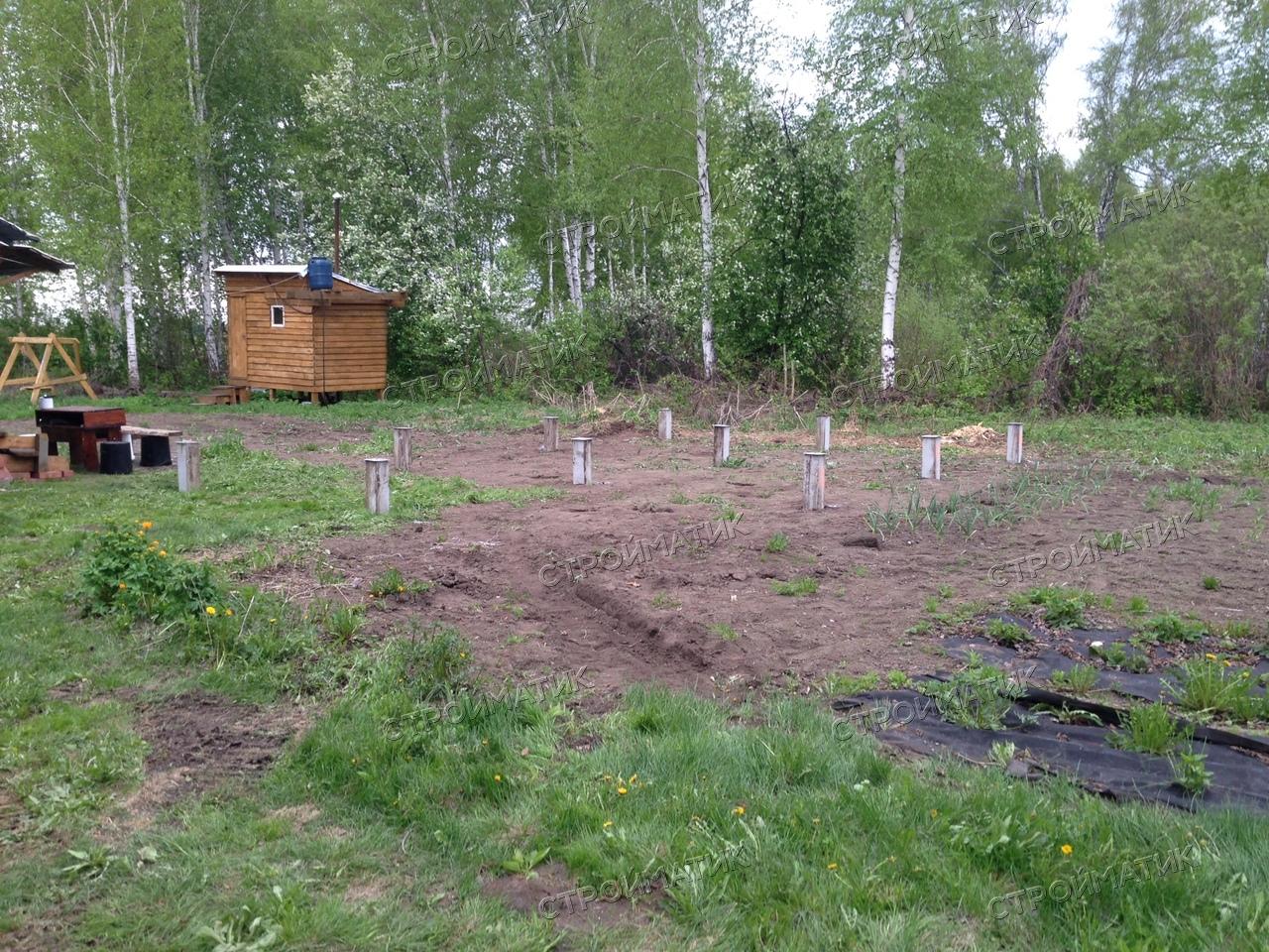 Фундамент на забивных ж/б сваях для маленького дома из бруса в городе Новосибирск, НСО, поселок Рыбачий, СНТ Лира от компании Стройматик