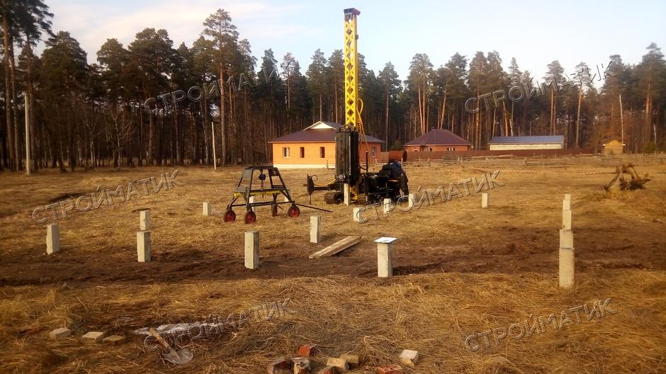 Фундамент для дома на забивных ж/б сваях в поселке Первомайский Липецкой области от компании Стройматик