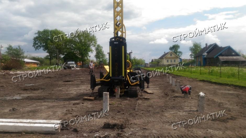 Фундамент на забивных ж/б сваях для каркасного дома в деревне Деделево Московской области от компании Стройматик