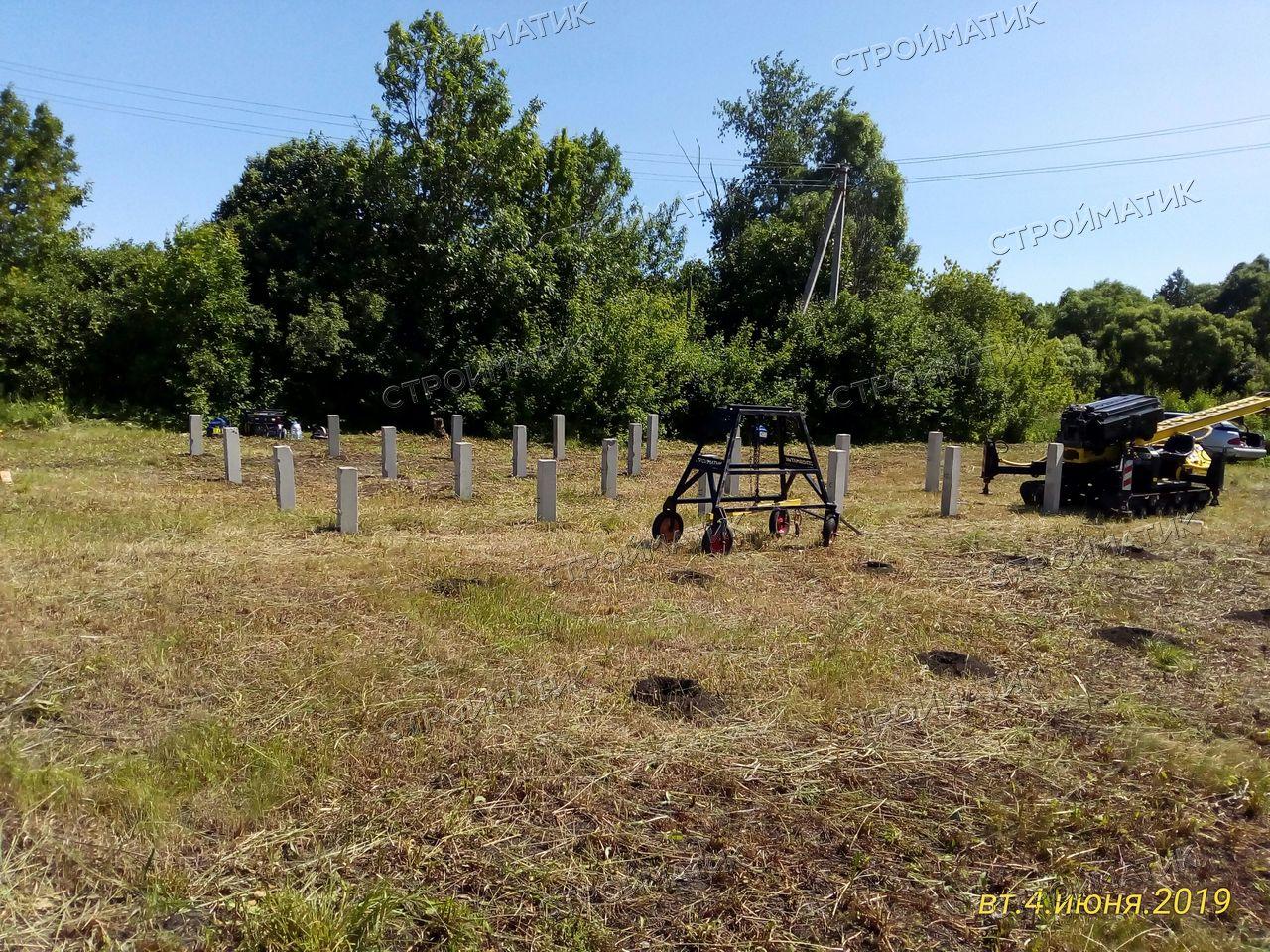 Фундамент на забивных ж/б сваях для дома из бруса 200х200, с мансардой в селе Дубовое, город Чаплыгин