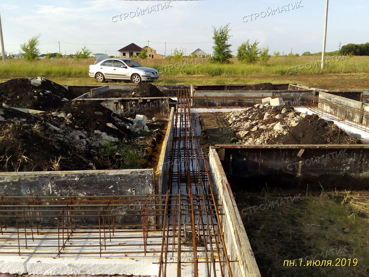 Фундамент с бетонным ростверком