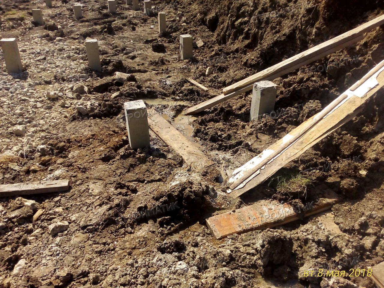 Фундамент на забивных ж/б сваях для двухэтажного бревенчатого сруба в селе Вербилово Липецкой области от компании Стройматик