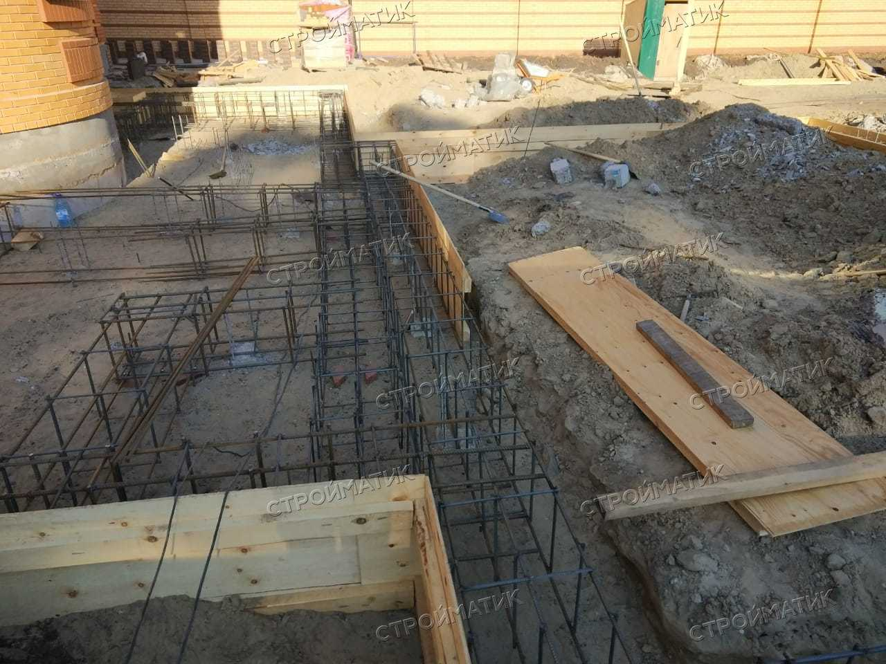 Фундамент на забивных ж/б сваях с бетонным ростверком для комплекса блочных строений в селе Тимирязево Томской области от компании Стройматик