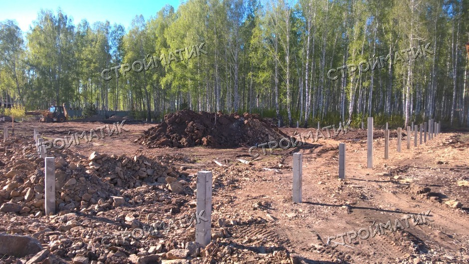Фундамент на забивных ж/б сваях для забора в поселке Родной Челябинской области от компании Стройматик