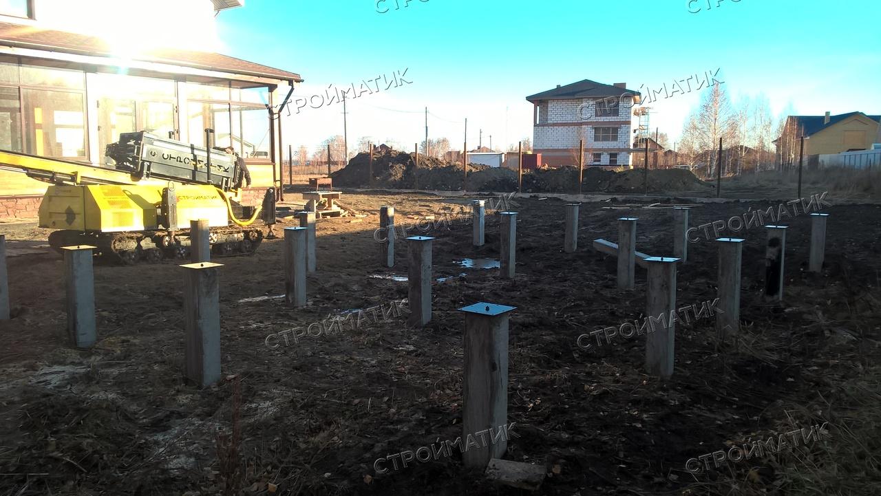 Фундамент на забивных ж/б сваях для бани из бруса в поселке Белые Росы, Челябинск от компании Стройматик