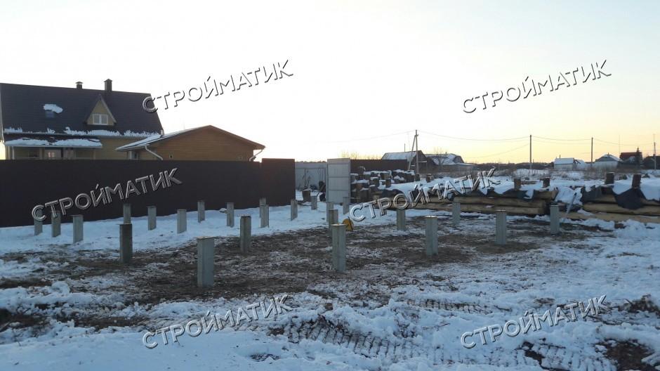 Фундамент на забивных ж/б сваях с обвязкой брусом для дома из бревна в село Ступино Воронежской области от  компании Стройматик