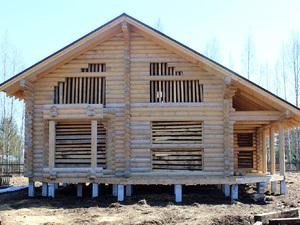 Фундамент на 5-ти метровых сваях для бревенчатого дома в Ленинградской области