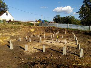 Фундамент на забивных железобетонных сваяхподкирпичный дом вг. Грязи