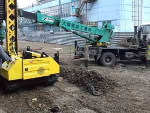 Фундамент для шпунтового ограждения на производственной площадке в Томске