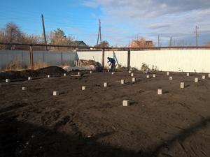 Фундамент для дома из кирпича с бассейном в поселке Красногорском