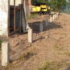 Фундамент на забивных ж/б сваях для забора в городе Новосибирск, НСО, поселок Обь, СНТ Медтехника от компании Стройматик